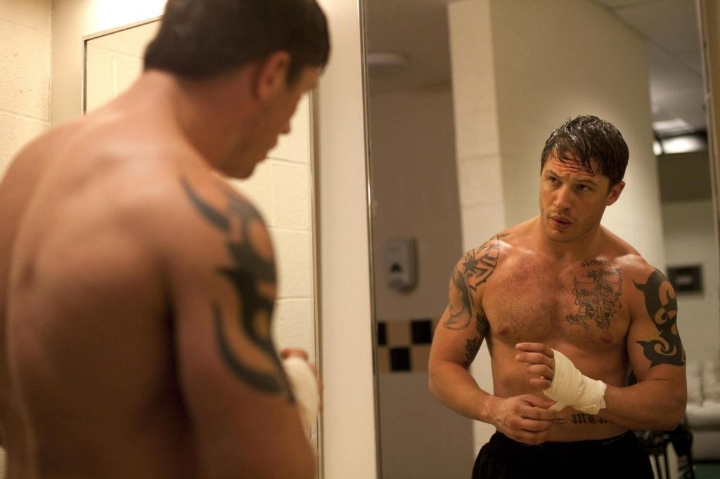 still-of-tom-hardy-in-warrior-2011-large-picture.jpg